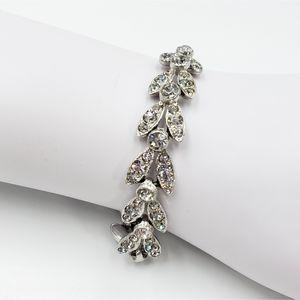 Vtg Clear Rhinestone & silver tone clasp bracelet